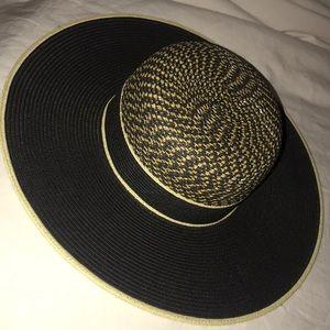 Carly Jean Los Angeles hat